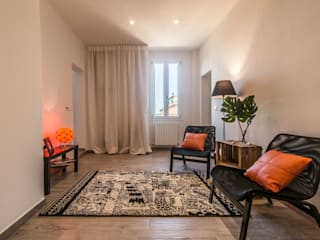 HOME STAGING GREEN&ORANGE:  in stile  di FOSCA de LUCA Home Stager & Redesigner