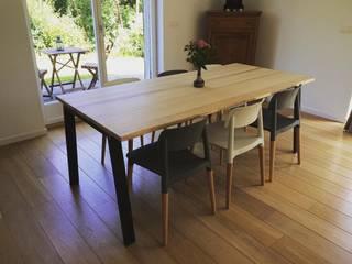 Table à manger Dynamiko:  de style  par Max & Jane