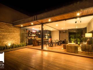 Houses by Cornetta Arquitetura, Industrial