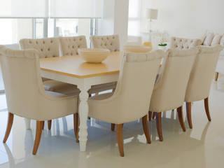 Ruang Makan Klasik Oleh Monica Saravia Klasik