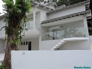 Detached home by Renata Gama Arquitetura, Modern