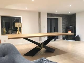 Table à manger X en metal et bois sur mesure par Jeremy Collin Ebeniste - créateur Moderne
