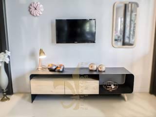 Jeremy Collin Ebeniste - créateur Living roomTV stands & cabinets