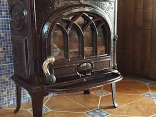 Маргарита Клепцова камины и печи Living roomFireplaces & accessories Metal Brown