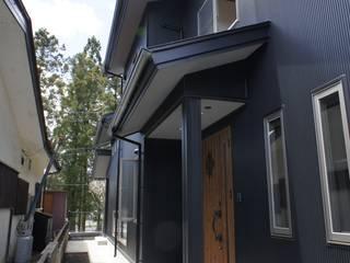 S邸 Moderne Häuser von マルモコハウス Modern