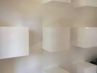 Parete attrezzata filotto Soggiorno moderno di cARTE di Andrea Giannozzi Moderno