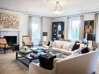 Villa Maria:  Living room by andretchelistcheffarchitects