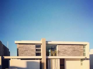 Fachada Principal: Casas de estilo  por Concepto Arquitectónico Studio