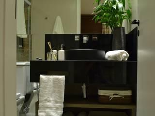 Banheiros: Banheiros  por Casa Studio 201