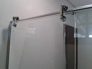 AMERICANVIDROS COMERCIO DE VIDROS 辦公室&店面 玻璃 White