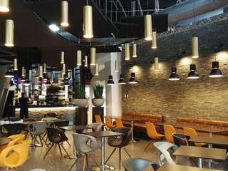 restaurant Angers Salle à manger originale par ATELIER KA-HUTTE Éclectique