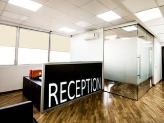 Ambiente reception: Studio in stile in stile Moderno di formatoa3 Studio