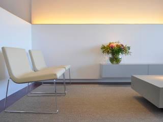 El salón: Salones de estilo  de Rardo - Architects
