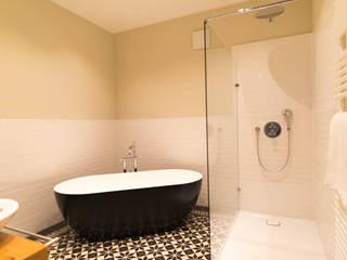 Bathroom by raumdeuter GbR, Rustic