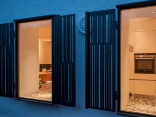 Ventanas de estilo  por Rardo - Architects