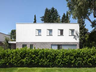 Vorderansicht:  Villa von Sieckmann Walther Architekten