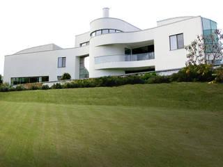 Жилой дом 950 м²: Вилла в . Автор – Morskoy Architect