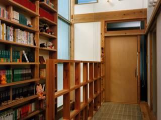 高砂の家: 設計組織アルキメラ 一級建築士事務所 が手掛けた書斎です。,