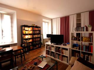 Ristrutturazione appartamento MBquadro Architetti Soggiorno moderno Legno Bianco