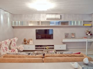 CASA P+R | Recanto dos Pássaros: Salas de estar  por ALINE RAISER arquitetura design