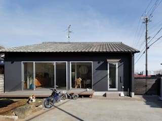 Casas de estilo escandinavo por atelier m