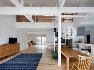 回遊できる家〈renovation〉-長く子供と仲良く、築46年の回遊できる家- 北欧デザインの 子供部屋 の atelier m 北欧