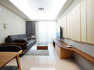 modern Living room by ISQ 質の木系統家具
