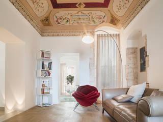 Salones de estilo  de Arch. Antonella Laruccia