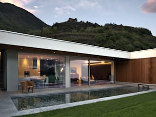 Villa Sondrio di CN Arredamento Design Srl Moderno