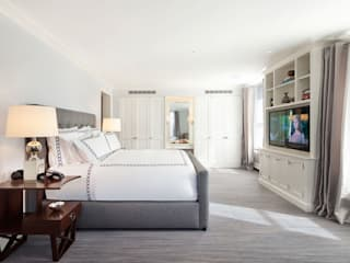 Fifth Avenue Apartment: modern Bedroom by andretchelistcheffarchitects