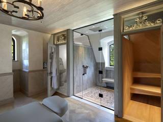 Round Hill Estate:  Sauna by andretchelistcheffarchitects