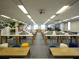 NISSIN SYSTEMS Collaboration Salon CoCoNa -心結- 関口太樹+知子建築設計事務所 オフィスビル 鉄/鋼 白色