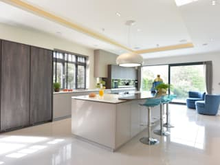 Mr & Mrs McLaughlin by Diane Berry Kitchens Modern