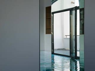 Modern Living Room by laboratorio di architettura - gianfranco mangiarotti Modern