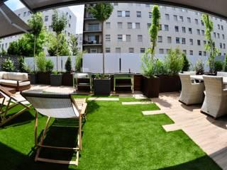 庭院 by ésverd - jardineria & paisatgisme, 現代風