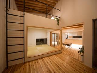 西国分の家: 株式会社田渕建築設計事務所が手掛けたリビングです。,