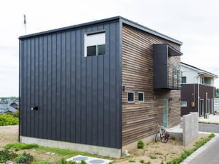 Casas de madera de estilo  por エヌ スケッチ