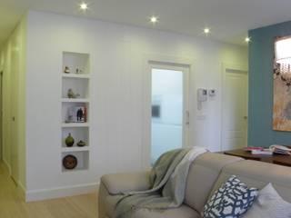 Reforma integral y decoración completa Salones de estilo moderno de Arantxa Muru Decoradora Moderno