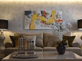 :  Living room by Mobile & Diseño | Interior Design Marbella
