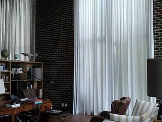 Cortinas e afins Salas de estar clássicas por Ateliê Lochetti Clássico