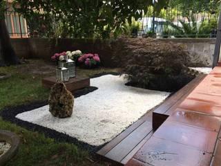Giardino Zen: Giardino Zen in stile  di Studio GeSA