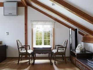여주시 우만동 중목구조주택 (62PY): 한다움건설의  박공 지붕