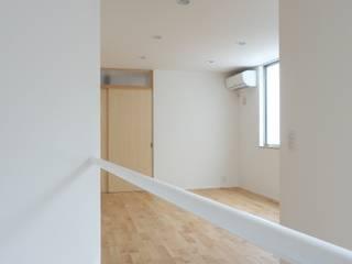 松ヶ鼻の家 モダンスタイルの 玄関&廊下&階段 の 奥田建築設計事務所 モダン