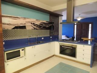 Casa de Praia: Cozinhas  por LUCIANA SIMÕES FERNANDES DE OLIVEIRA,Rústico