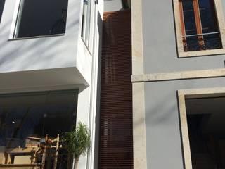 Edifício Comercial:   por josé abílio arquitecto's