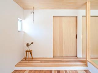 洋望台の家 北欧デザインの リビング の 横山浩之建築設計事務所 北欧