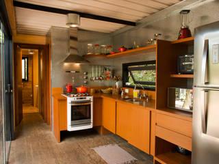 Muebles de cocinas de estilo  por Giselle Wanderley arquitetura, Industrial