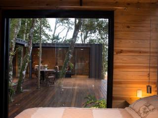 Dormitorios de estilo  por Giselle Wanderley arquitetura, Industrial