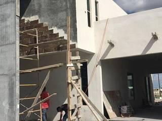 ミニマルな 家 の Coyani Arquitectos ミニマル