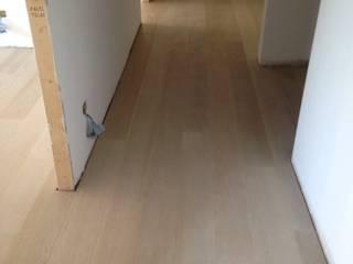 Soloparquet Srl Modern corridor, hallway & stairs